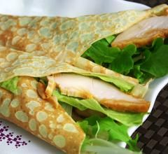 Roll Crepe dengan Salad Ayam machine and equipment
