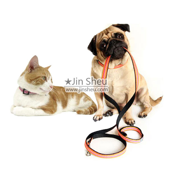 Jin Sheu provides pet accessories including dog collars and leashes etc.
