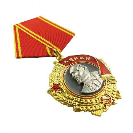 Army Awards Medals - Jin Sheu has always been really proud of our military medals and badges because they are the best representing products for us to outshine our competitors.
