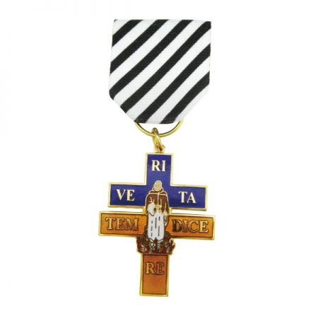 Christian Military Cross Medal - Jin Sheu has always been really proud of our military medals and badges because they are the best representing products for us to outshine our competitors.
