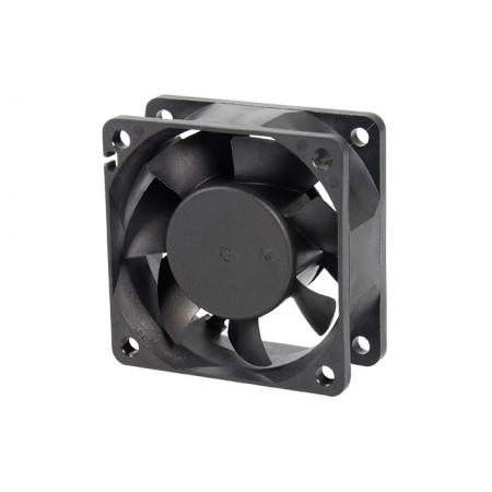 Es un ventilador de refrigeración con CC y un ventilador de 60 mm x 60 mm x 25 mm.  Proporcionar modelos versátiles para adaptarse a las necesidades del usuario.