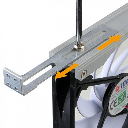 Install the fan vertically or horizontally by 720° adjustable rack.