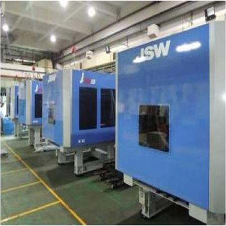 FORESHOT dispose des avancées de la machine d'injection haute vitesse JSW appliquée aux composants optiques.