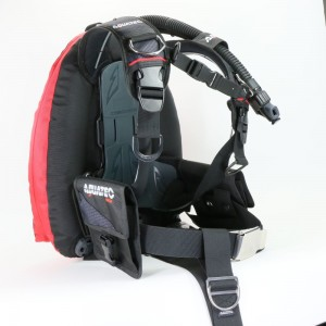 Scuba performance backmount BK/RD.