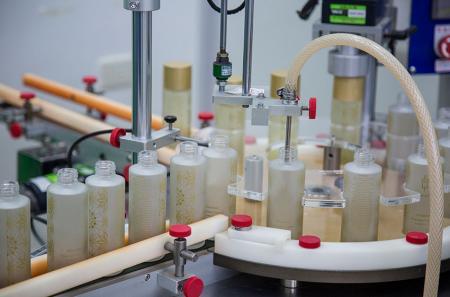 Auto Liquid Filling Capper Machine
