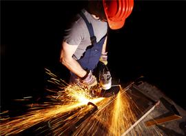 工作安全防護護具-使用ARMORTEX高耐磨面料於鞋面,更耐用且能保護工作者的足部免於工作傷害。