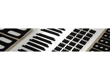Esponja de goma de uso industrial (neopreno, espuma SBR, espuma de EPDM) - Esponja de goma de cloropreno (llamada neopreno), Esponja de goma de estireno butadieno (espuma SBR), Caucho de monómero de etileno y propileno dieno (espuma de EPDM) son los materiales con las características de amortiguación impermeable, hermética y buena, adecuada para ser utilizada como junta de la máquina, faro o bote.
