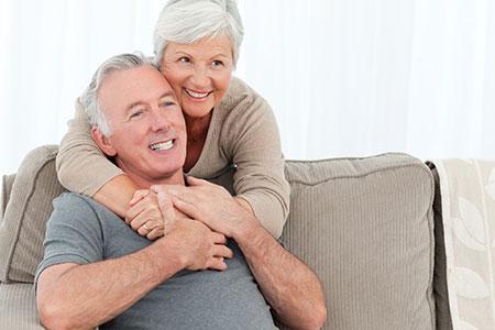 Обивочный диван с ТПУ ламинированной тканью может быть воздухопроницаемым и водонепроницаемым.