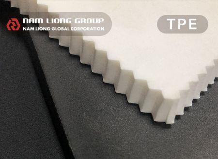 熱可塑性發泡材料 - 閉孔式TPE熱可塑性發泡材料具有質輕、防水、防風、防砂及氣密性佳等特性。