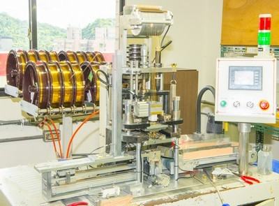 Feed Through Inline Coupler Contact Wire Press Fit Automation