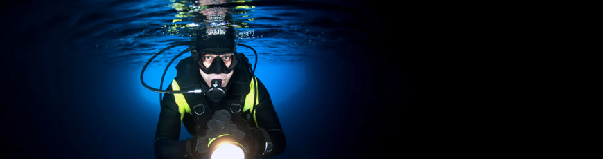 Waterproof Flashlight for use under Deep Water
