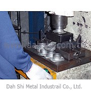 Dah Shi Metal Industrial Co., Ltd. - Professional Manufacturer of Metal Railing and Accessories for Pipe
