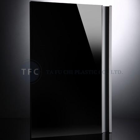 塗装されたガラスに代わり、高光沢のアクリルを使用できます。