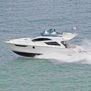 カタマラン型ヨットMF45
