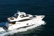 Yacht a motore F Class Flybridge