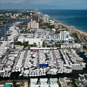 Monte Fino Yachts em 2016 Fort Lauderdale International Boat Show